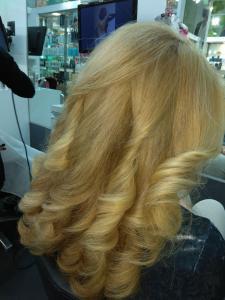 Укладка волос позволяет всегда выглядить на высшем уровне.