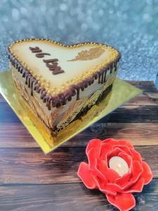 Массово творожный торт на трёх шоколадах. Начиная с 1.5килограмма.с незабываемым оформление.