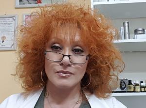"""Это я. Мне 61 год. Если косметолог может """"сделать"""" свое лицо - """"сделает"""" и Ваше -). Никогда не верьте в сказку """"Сапожник без сапог"""" - )"""
