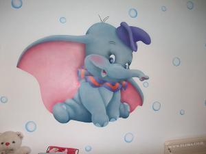 Летающий слоненок Дамбо - роспись стены в детской. Ришон Ле Цион. Художник Флора.