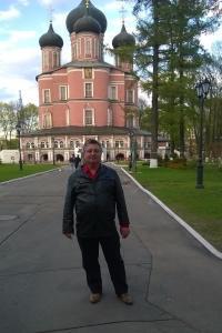 А в Донском монастыре  Русское дворянство..