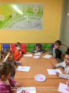 младшая группа -  рисуем