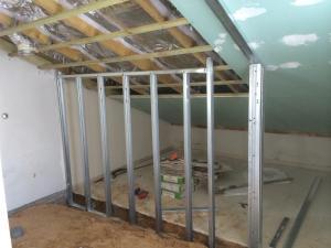 строим комнату на чердаке