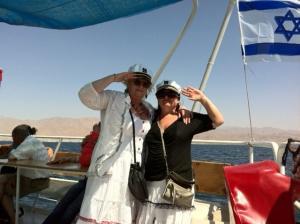 """«здравствуйте, Сашенька! Большое спасибо Вам и Ане за Ваше чуткое отношение к нам, спасибо Вам за блестящие экскурсии по Иерусалиму, Назарету, Иордании, по северной части Израиля, но особенно за Аню!!! Мы рады безумно, что нам посчастливилось побывать на экскурсиях с ней!Благодаря Ане мы смогли не только получить самую исчерпывающую информацию об Иерусалиме, но и немножко прикоснуться к этой замечательной стране, узнать ее историю и, главное, полюбить ее всем сердцем!» Анна!!! Поистине Ваши знания потрясли нас!!! Для туристов, желающих познать Израиль — Вы настоящий клад! Спасибо за бесконечные, очень интересные истории про жизнь израильтян не только в наше время, но и в разные исторические эпохи. В Ваших рассказах все время звучал такой интерес и такая любовь к этой стране, что это на самом деле впечатляет! Анна — вы настоящий профессионал своего дела!!!"""""""