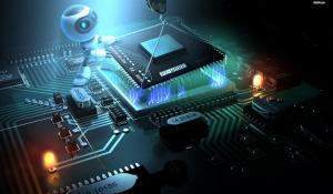 Компьютерная лаборатория + лаборатория электроники на компонентном уровне и замена чипов.
