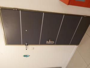 Замена старого винилового покрытия двери на новое,  рисунок и цвет на ваш выбор из нашего каталога.