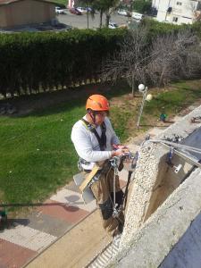 Ремонт крыш и заделка швов