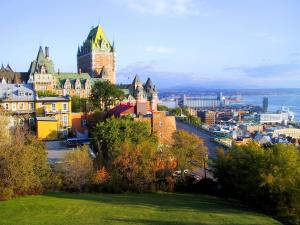 Красавец Виль-Квебек, столица фр. Канады.