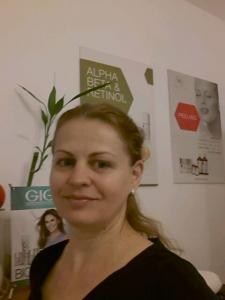 Привет! Я массажист и косметолог , 12 лет опыта работы в Израиле. Мой массаж помогает при стрессе , болях в спине , мышцах , при усталости. Также предлагаю массаж лица , депиляцию (удаление волос воском) , фотоэпиляция IPL - 0547448462, Natali
