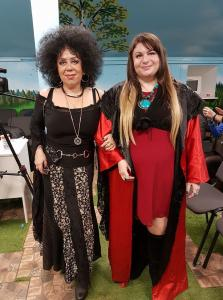 Я и Алена Орлова ( финалистка 1-го сезона Битвы Экстрасенсов на Тнт) — с алена орлова.