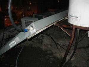 ремонт на крыше ночью