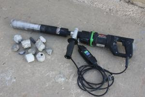 Просверливание железобетонной стены,благодаря этому аппарату