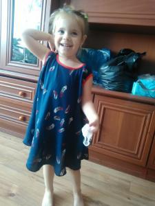 Платье детское. Ткань- штапель- перо.Крой по косой.