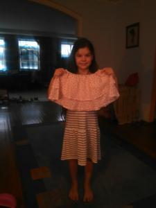 Ученица 8 лет. Пошив юбки на резинке.С валанами