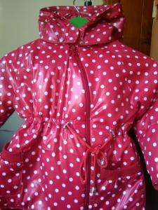 Детская куртка в горох.На утеплителе