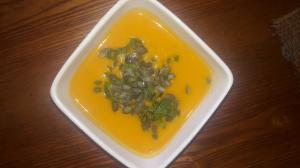 Необыкновенно полезный (так же, как и вкусный), тыквенный суп.
