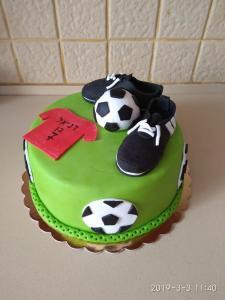 Еще один детский тортик выполненный мною на заказ. Бабушки и дедушки, а также родители хотите порадовать своих деток вкусным и красивым сюрпризом с их любимыми мультяшными героями, обращайтесь 0523120925 Наталья.